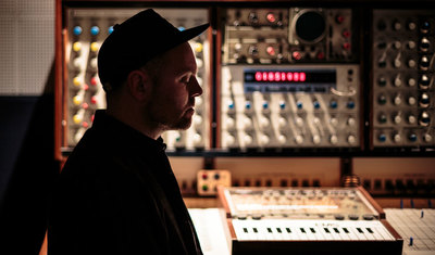 Josh Davis (DJ Shadow)