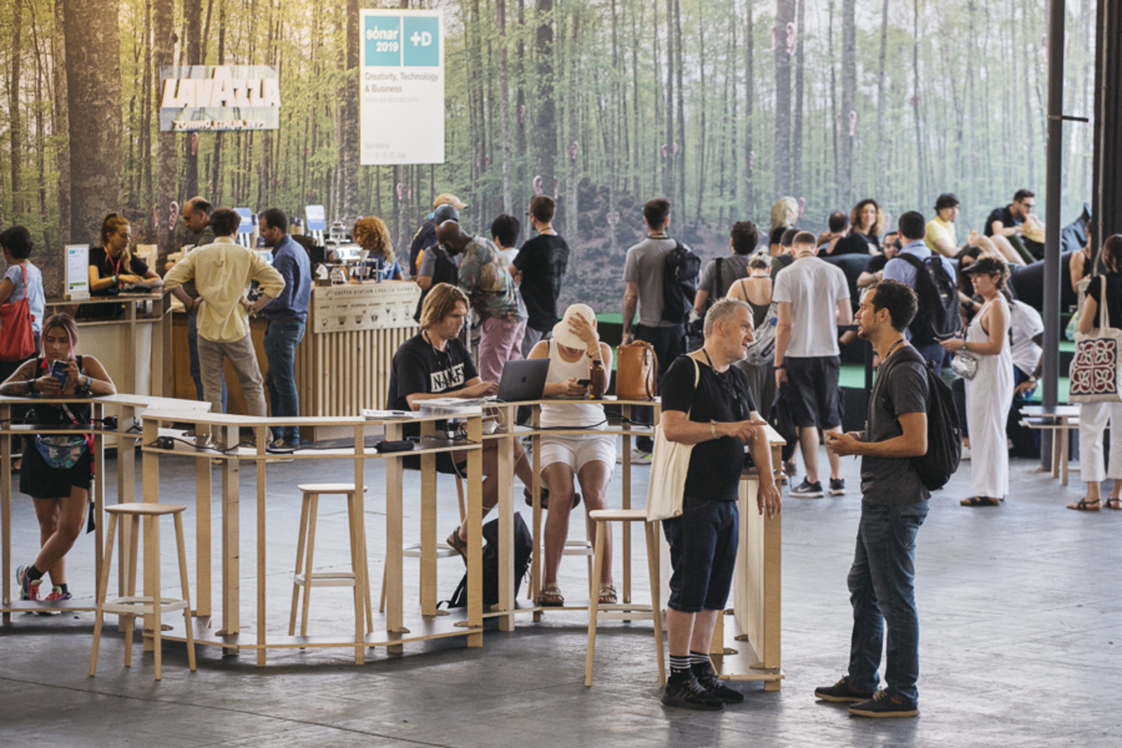 A quiet moment at the Networking Bar, Sónar+D